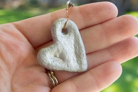 Keep a loved one close! .  Free tutorial with pictures on how to sculpt a clay heart charm in under 45 minutes by molding with salt, water, and flour. Inspired by hearts. How To posted by Diane H.  in the Other section Difficulty: Simple. Cost: Cheap. Steps: 4