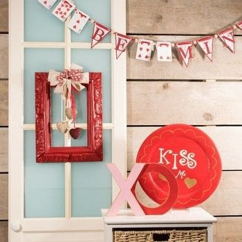 Romantic Valentine's decoration .  Free tutorial with pictures on how to make a decoration in under 180 minutes How To posted by Vaessen Creative.  in the Home + DIY section Difficulty: Easy. Cost: Absolutley free. Steps: 8