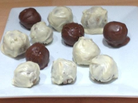 Gingersnap Truffles  .  Free tutorial with pictures on how to make a candy in under 40 minutes by decorating food with gingersnaps, cream cheese, and vanilla. Recipe posted by Super Madcow.  in the Recipes section Difficulty: Easy. Cost: Cheap. Steps: 4