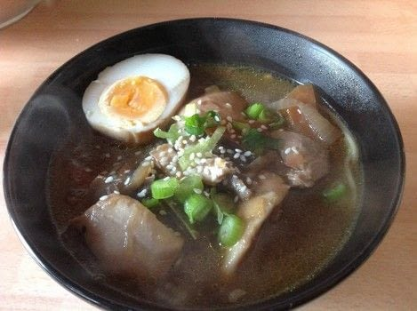 .  Free tutorial with pictures on how to cook a ramen bowl in under 40 minutes by cooking with oil, onion, and fresh ginger. Recipe posted by Super Madcow.  in the Recipes section Difficulty: Easy. Cost: Cheap. Steps: 11