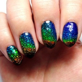 Thermal Nail Art .  Free tutorial with pictures on how to paint a nail painting in under 60 minutes using soap, black nail polish, and no-wipe gel topcaot. How To posted by Lacquered Lawyer.  in the Beauty section Difficulty: Easy. Cost: Cheap. Steps: 5