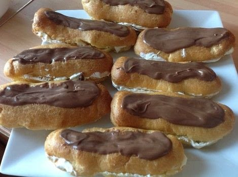 Chocolate eclair  .  Free tutorial with pictures on how to cook a baked treat in under 40 minutes by cooking, baking, and decorating food with butter, water, and flour. Recipe posted by Super Madcow.  in the Recipes section Difficulty: Easy. Cost: Cheap. Steps: 7