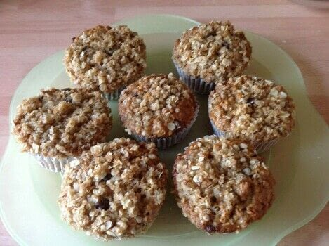 .  Free tutorial with pictures on how to cook a baked treat in under 30 minutes by cooking and baking with plain flour, oats, and baking powder. Recipe posted by Super Madcow.  in the Recipes section Difficulty: Easy. Cost: Cheap. Steps: 8