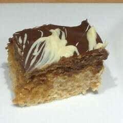 Caramel Crispy Cake