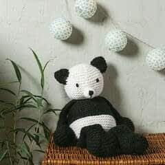 Knit Claire Panda