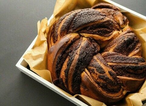 Sourdough Mania .  Free tutorial with pictures on how to bake  sweet / dessert bread in under 45 minutes by baking with brioche, dark chocolate, and butter. Recipe posted by Grub Street Publishing.  in the Recipes section Difficulty: Simple. Cost: Cheap. Steps: 2