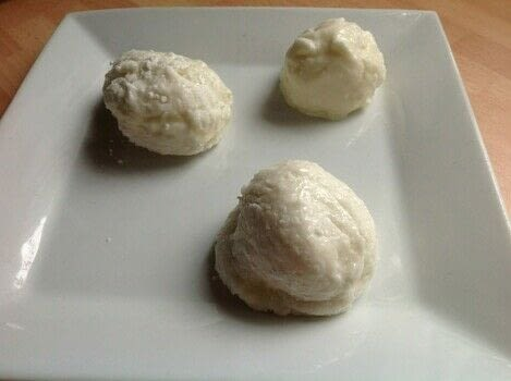 .  Free tutorial with pictures on how to make a frozen dessert in under 20 minutes using icecream, flour, and sugar. Recipe posted by Super Madcow.  in the Recipes section Difficulty: Easy. Cost: 3/5. Steps: 9