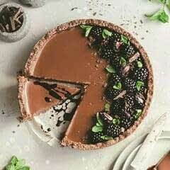 Dark Chocolate Earl Grey Tart With Blackberry Coulis