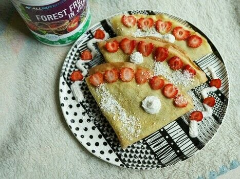 Delicious and easy crepes which you will make in just a few steps! .  Free tutorial with pictures on how to cook a crepe in under 15 minutes by cooking with frying pan, plastic bowl , and spatula. Inspired by food, strawberries, and pancakes. Recipe posted by Patrycja H.  in the Recipes section Difficulty: Simple. Cost: Cheap. Steps: 3