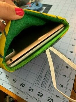 .  Make a tablet sleeve in under 90 minutes by sewing, patchworking, and machine sewing Version posted by tarvie. Difficulty: Simple. Cost: Cheap.
