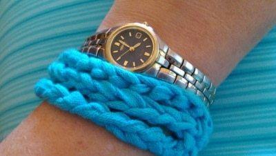 How to stitch a knit or crochet bracelet. Mixtape Bracelet - Step 1