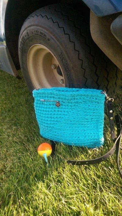 How to stitch a knit or crochet bracelet. Mixtape Bracelet - Step 7