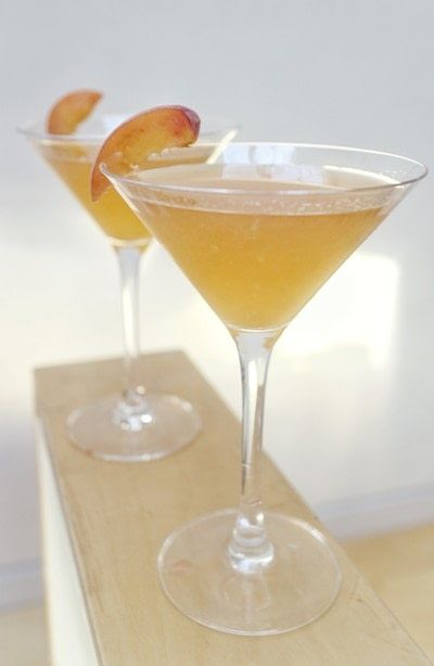 How to mix a martini. Peach Tea Martini - Step 5