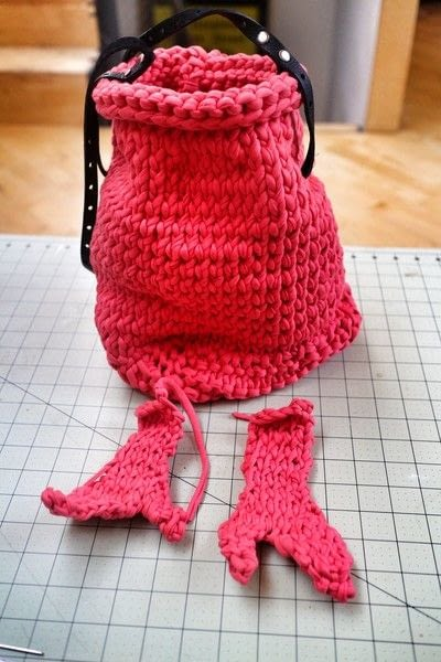 How to stitch a knit or crochet bag. Lobster Bag - Step 9