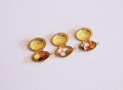 How to make a locket. Diy Confetti Medaillon Lockets - Step 2