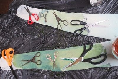 How to make a pair of tights / pantyhose. Scissor Print Cyanotype Tights - Step 6