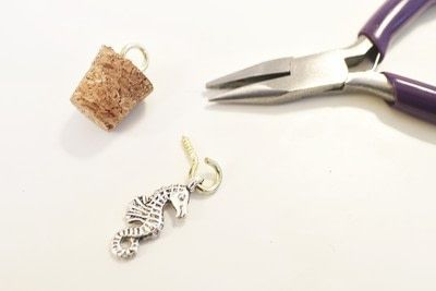 How to make a vial. Seahorse Terrarium Necklace - Step 5