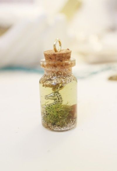 How to make a vial. Seahorse Terrarium Necklace - Step 12