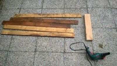 How to make a pallet planter. Pallet Planter - Step 2