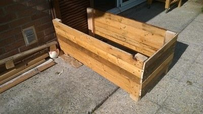 How to make a pallet planter. Pallet Planter - Step 9