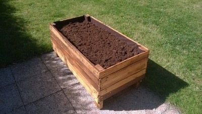 How to make a pallet planter. Pallet Planter - Step 14