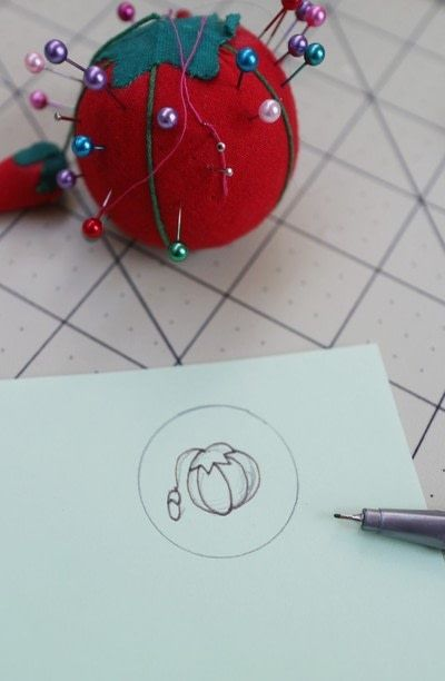 How to make a ring pin cushions. Mini Embroidery Hoop Pin Cushion Ring - Step 3