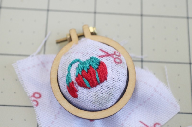 Mini embroidery hoop pin cushion ring · how to make a