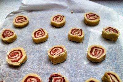 How to bake a pinwheel cookie. Red Velvet Swirl Cookies - Step 11