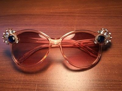 How to make a pair of sunglasses. Create Your Own Glam Sunnies! - Step 4