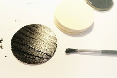 How to paint a painted coaster. Glitter Embossed Coasters - Step 2