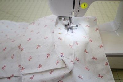 How to make a sewing machine covers. Cat Ear Sewing Machine Cover - Step 20