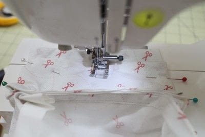 How to make a sewing machine covers. Cat Ear Sewing Machine Cover - Step 30