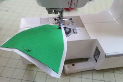 How to make a sewing machine covers. Cat Ear Sewing Machine Cover - Step 40