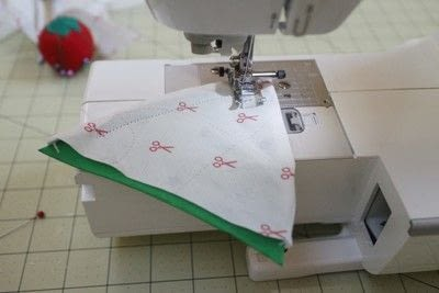 How to make a sewing machine covers. Cat Ear Sewing Machine Cover - Step 42