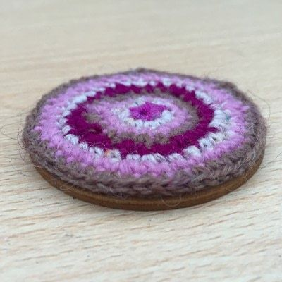 How to make an embroidery hoop frame. Crocheted Embroidery Hoops - Step 2