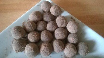 How to make a truffle. Malted & Vanilla Chocolate Truffles  - Step 10