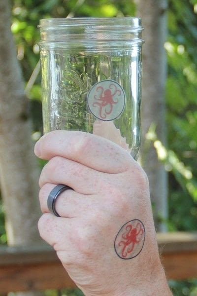 How to make a glass. Party Glass And Guest Matching Tattoos - Step 7