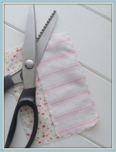 How to make a scent pouches. Sweet Lavender Pillow - Step 2