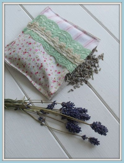 How to make a scent pouches. Sweet Lavender Pillow - Step 4
