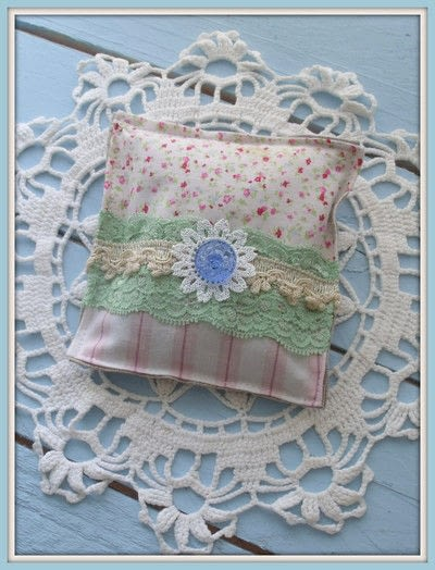 How to make a scent pouches. Sweet Lavender Pillow - Step 6