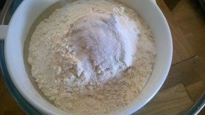 How to bake a vanilla cake. Creamy Coconut Cake - Step 1