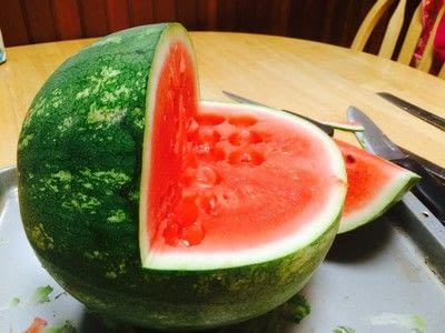 How to make a fruit salad. Watermelon Baby Carriage  - Step 1