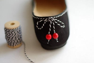 How to sew a pair of fabric slippers. [Diy] Emblazoned Loafers - Step 5