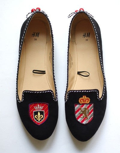 How to sew a pair of fabric slippers. [Diy] Emblazoned Loafers - Step 7