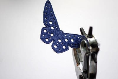 How to make a leather necklace. [Diy] Butterfly Necklace - Step 6