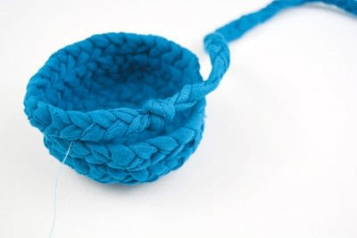 How to make a recycled bowl. Braided Yarn Bowl - Step 5