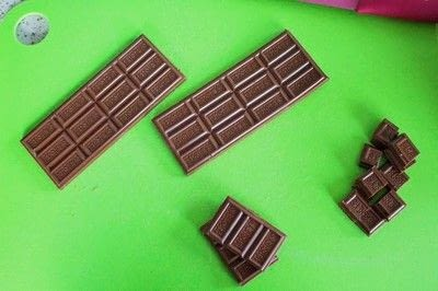 How to make a s'more. S'mores Bars - Step 2