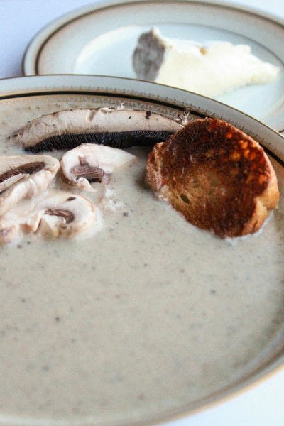 How to cook mushroom soup. Creamy Roasted Mushroom And Brie Soup - Step 4