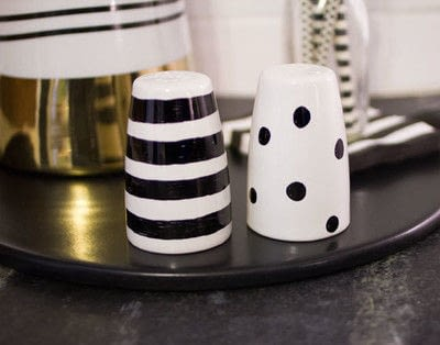 How to make tableware. Painted Salt & Pepper Shakers - Step 4