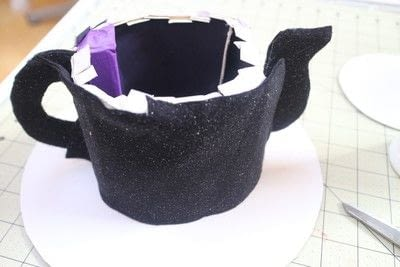 How to make a top hat. Teapot Top Hat - Step 15